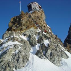 chamonix zermatt cabane Bertol 3311m